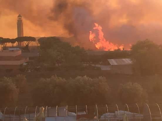 Incendio in via Don Milani: minacciate diverse abitazioni