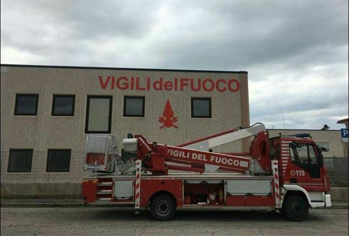 I Vigili del fuoco e Tarquinia Calcio insieme per sensibilizzare i bambini