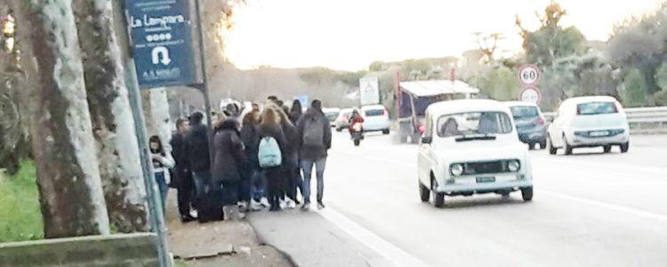 Fermata Bus, studenti a rischio sull'Aurelia