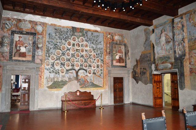 La sala degli Affreschi del Comune di Tarquinia  prende vita