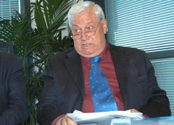 Mauro Patuzzi glissa sulla gestione del Palazzetto dello Sport