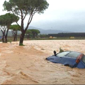 Maltempo, evacuate le case alla Marina di Montalto