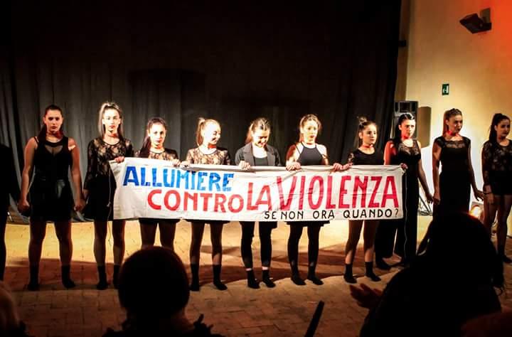 Femminicidio, successo della manifestazione ad Allumiere