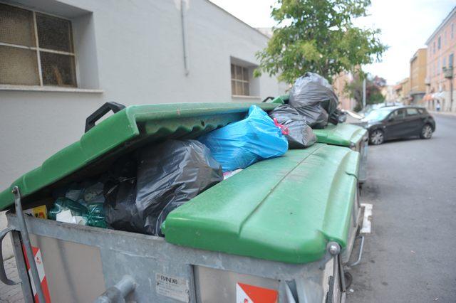 Emergenza rifiuti: sospeso il ritiro dell'umido nel weekend