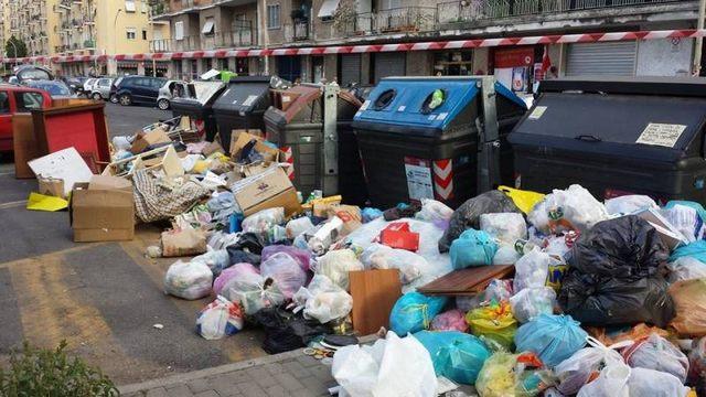 Torna sul lago l'incubo dei rifiuti da Roma