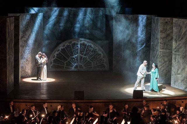 La Compagnia della Rupe in scena con il Gobbo di Notre- Dame
