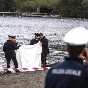 Trovata morta sulle rive del lago di Bracciano: forse un incidente