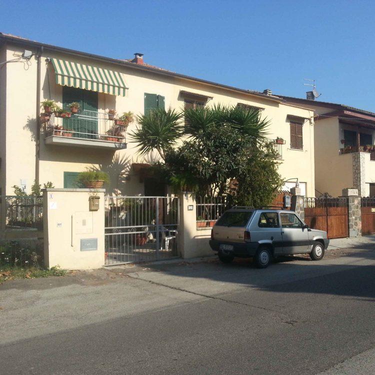Rapina in villa a Montalto: Mercedes ritrovata a Frosinone