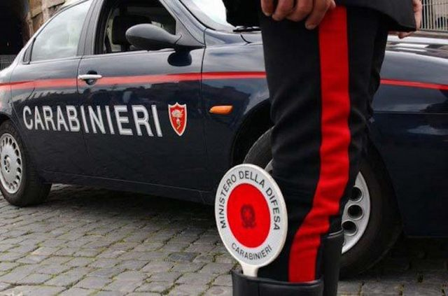 Tarquinia, spaccio, armi giocattolo e reperti etruschi: arrestato 65enne