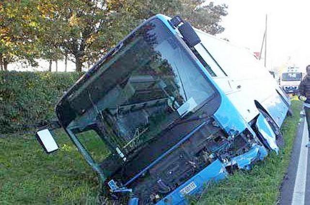 """Autobus ribaltato, una mamma: """"Siamo ancora sotto choc"""""""
