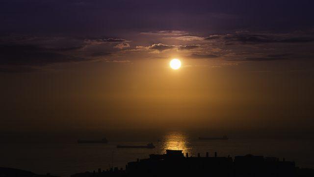 Rosso di sera (foto Marcello Tedeschi)