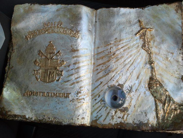 Reliquia rubata e ritrovata: al vaglio della Polfer le foto di noti borseggiatori
