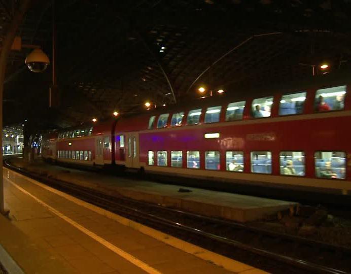 Treno acceso la notte in stazione, sarà spostato di nuovo