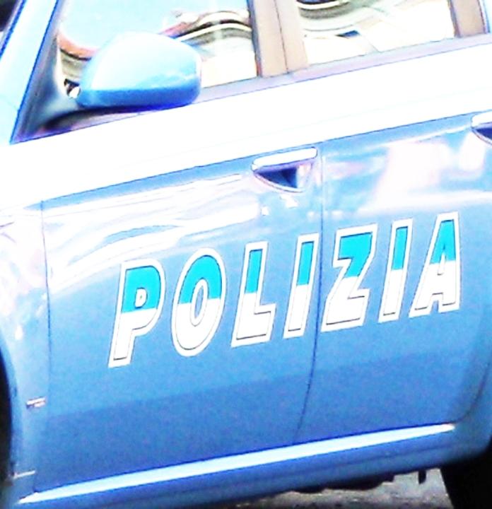 Svaligiano una villa, tre arresti