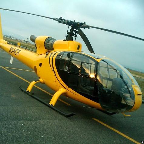 Elicottero atterra sulla spiaggia: denunciato il pilota