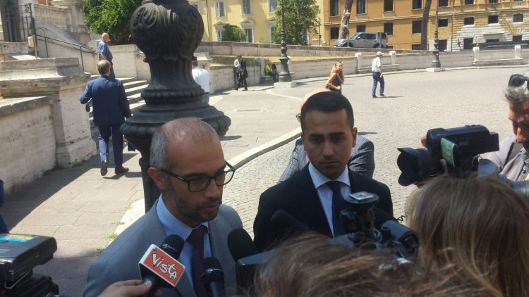 Cozzolino e Di Maio dal Ministro: nessun hotspot a Civitavecchia