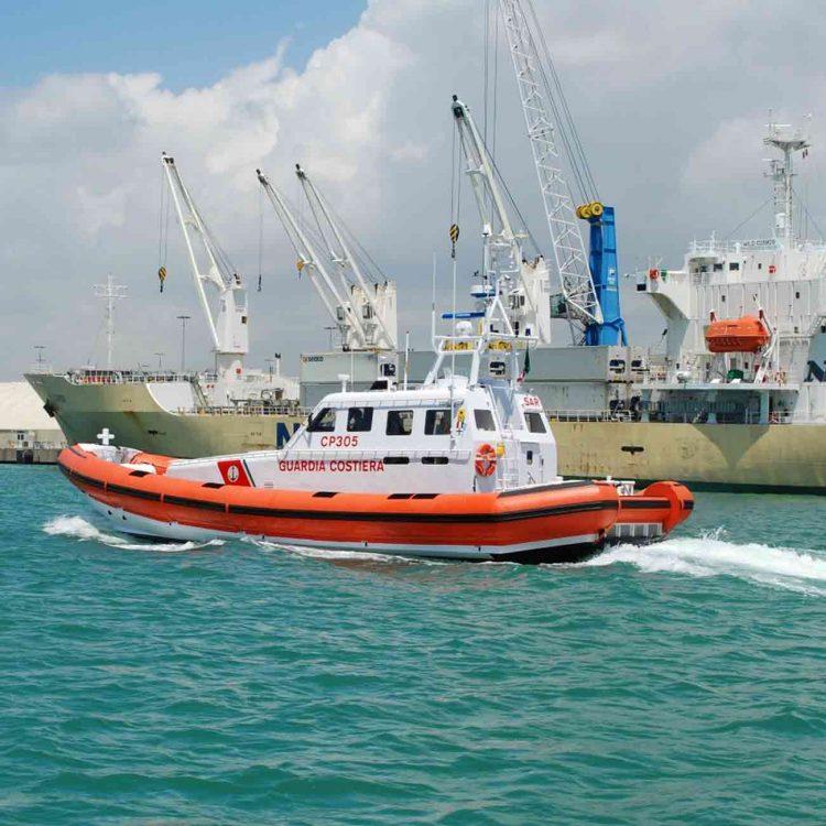 Collisione tra due navi al porto: indaga la Capitaneria