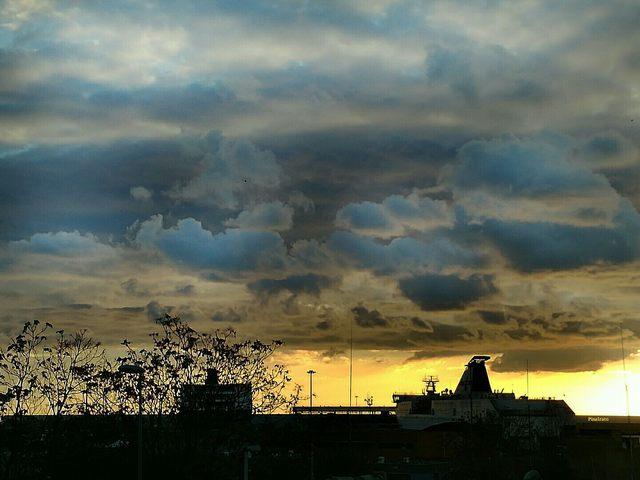 Un cielo incredibile (foto Pina Irato)