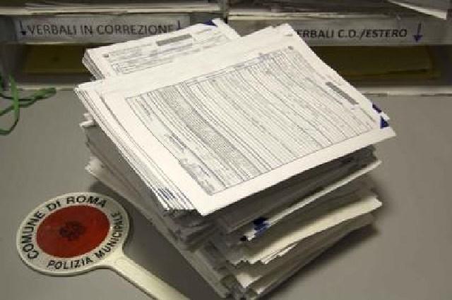 80mila euro di multe evase: denunciato per falso e truffa