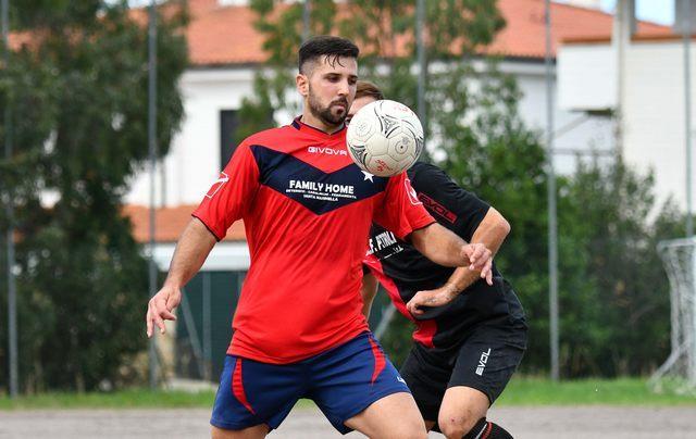 Bomber Francesco Brutti trascina la truppa rossoblu