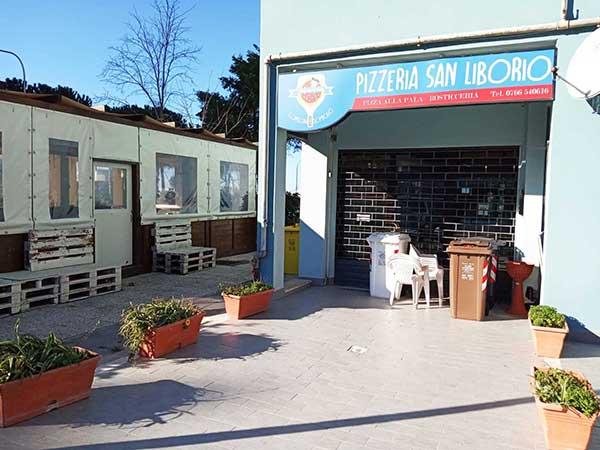 Vendesi pizzeria con dehors in zona Faro
