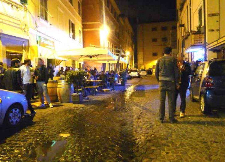Movida sotto controllo: sedata una lite a piazza Saffi