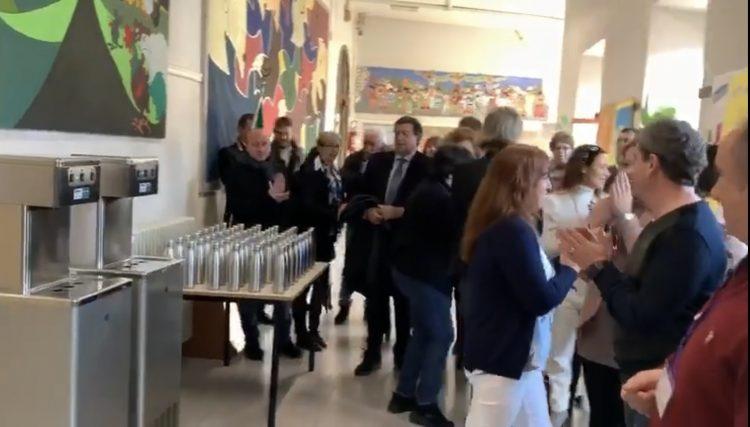 Ambiente, il Comune di Tarquinia consegna 1500 borracce a studenti e docenti