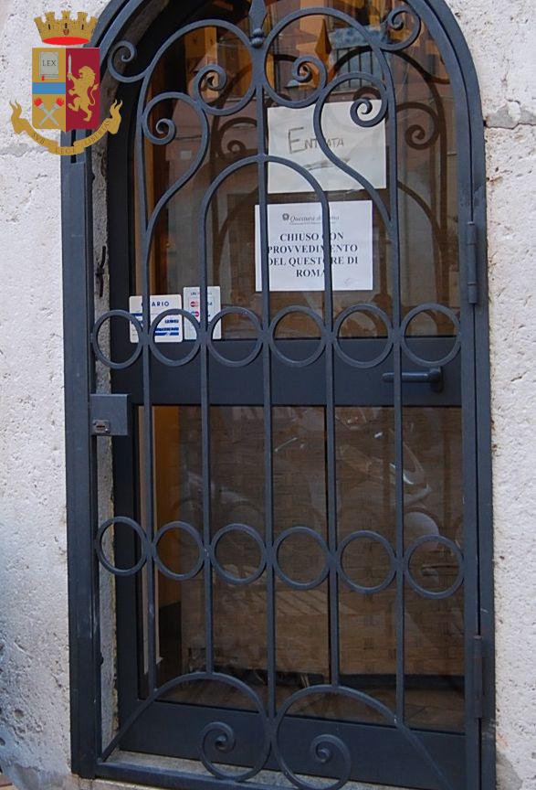 Piazza Leandra: sospesa la licenza al titolare di un locale