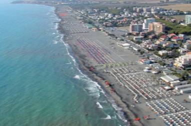 Difesa della costa, i concessionari di Tarquinia istituiranno un fondo per le azioni di contrasto all'erosione