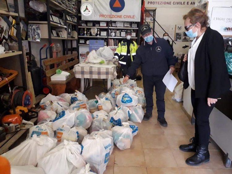 Tarquinia, oltre 400 pacchi alimentari consegnati in una settimana