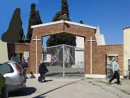 Visite al cimitero, Aurhelio sollecita Tidei