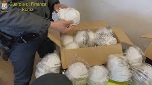 La GdF sequestra 1500 mascherine e denuncia una persona