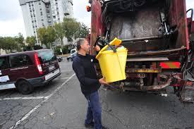 Csp: tornano il ritiro a domicilio degli ingombranti e la raccolta itinerante della plastica