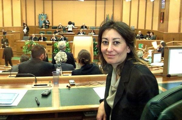 """Silvia Blasi (M5S): """"La Regione sostenga i comuni costieri per la fruizione delle spiagge libere"""""""
