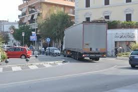 TIR, mozione del M5S per deviare il passaggio fuori città