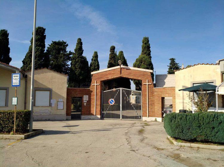 Santa Marinella, via ai lavori per venti nuovi loculi