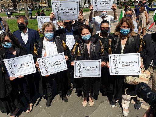 Crisi Giustizia, protesta l'avvocatura italiana