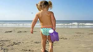 Bimba si perde in spiaggia a Montalto: subito ritrovata grazie all'app whatsapp della Capitaneria