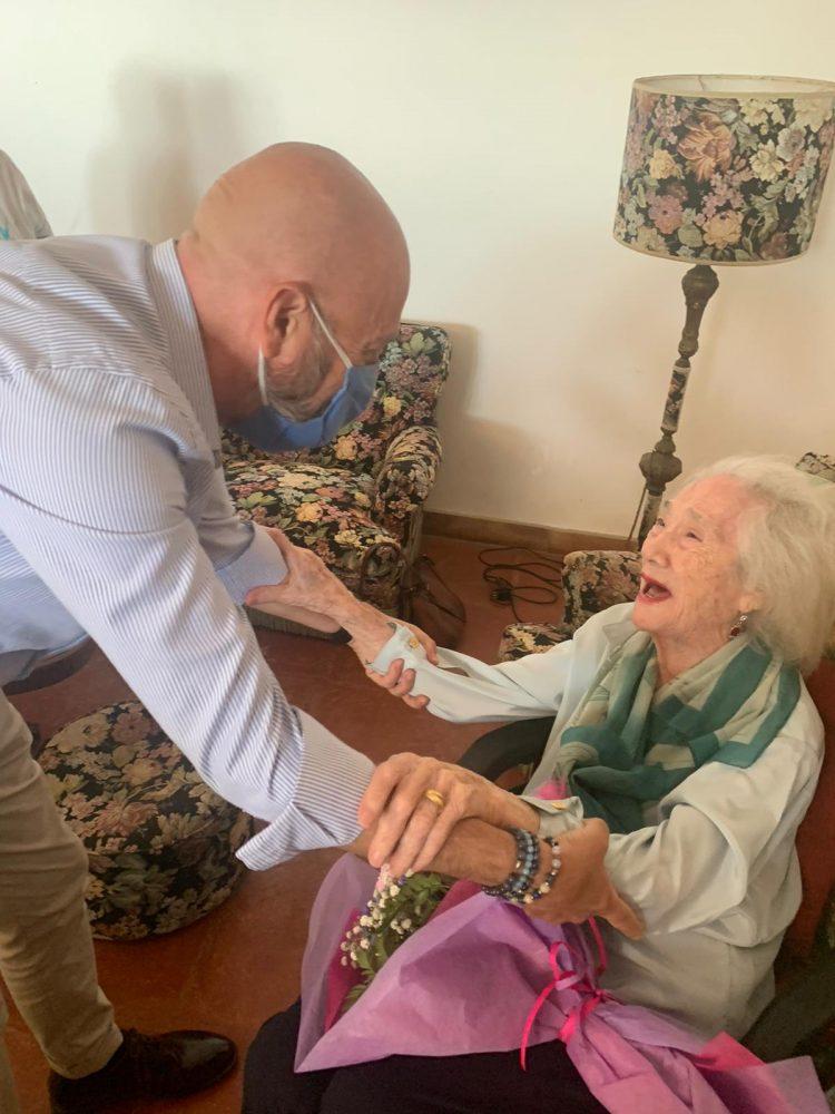 Il Sindaco Tedesco festeggia i 100 anni di Agnese De Luca