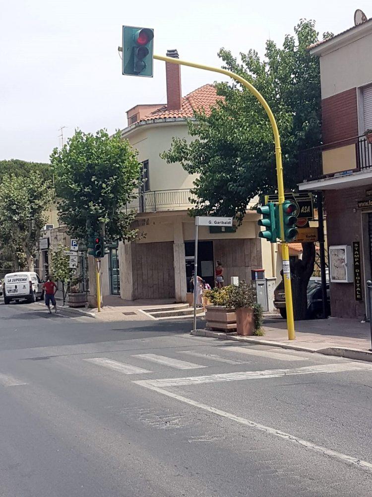 """Torna in funzione il semaforo di via Aurelia in zona """"La Gatta"""""""