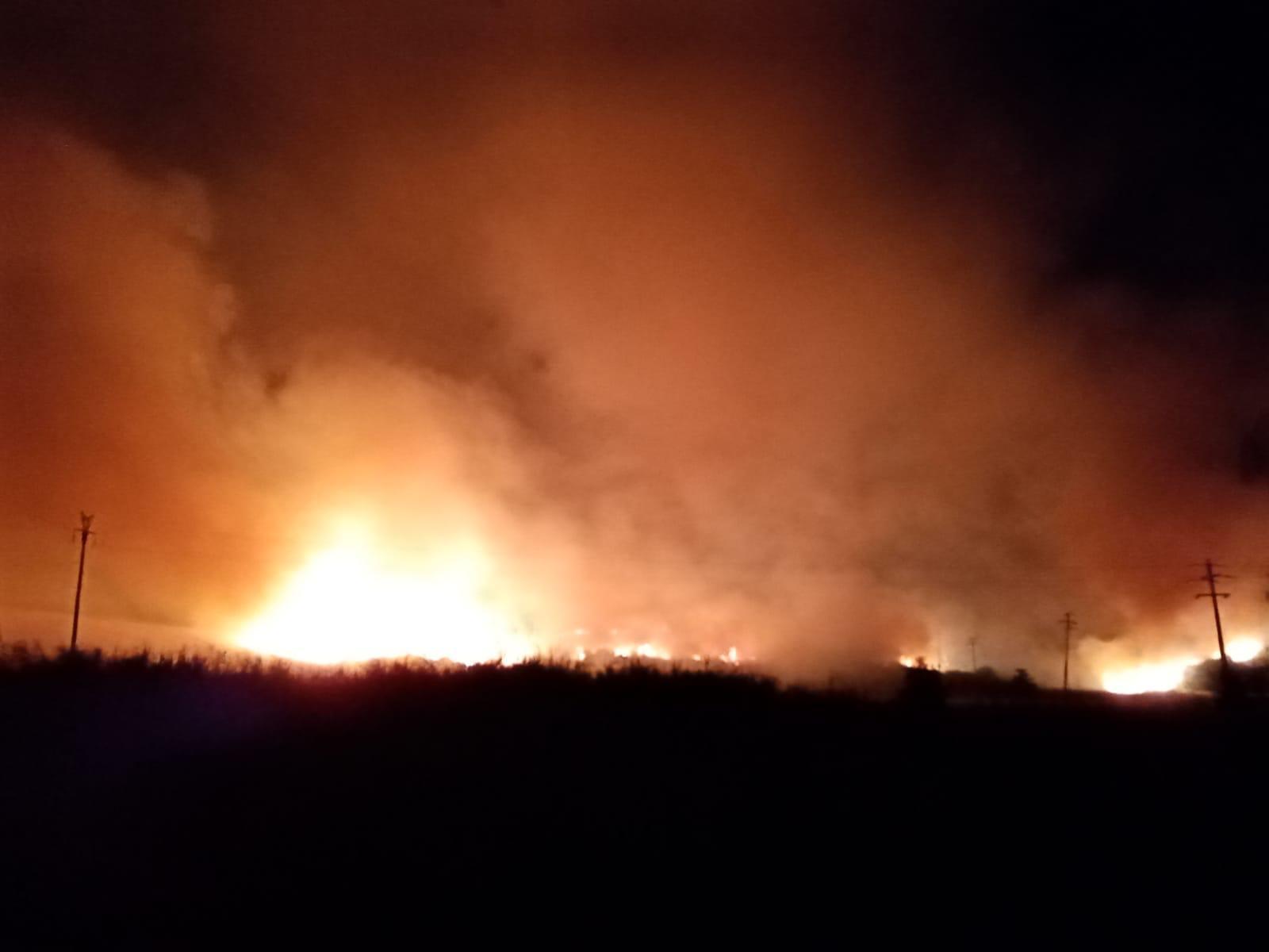 Incendio a Sant'Agostino: in fiamme oltre ottanta ettari