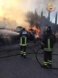 Sterpaglie in fiamme sulla Braccianese Claudia