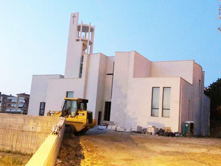 San Liborio, il vescovo benedice le campane della nuova chiesa