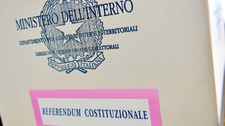 Referendum, oggi e domani un ritorno alle urne segnato dalle regole anti covid