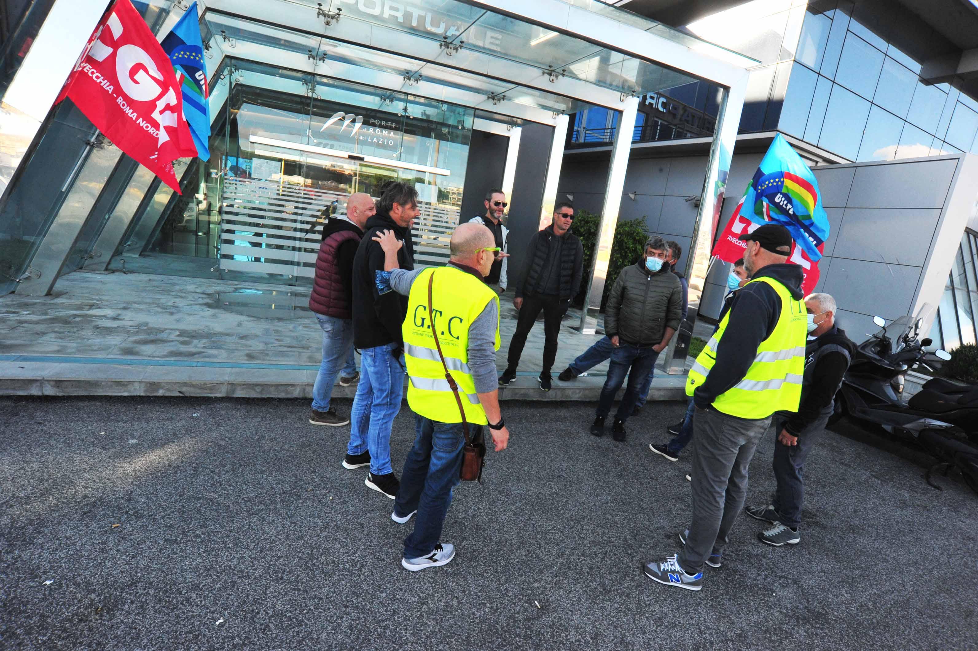 Gtc, precipita la vertenza: tre giorni di protesta sotto Molo Vespucci