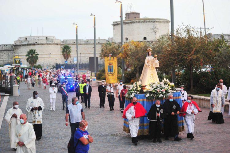 Civitavecchia onora la Madonna delle Grazie