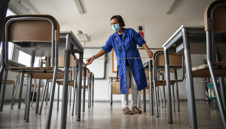 Due classi in Ddi anche a Tolfa, intanto c'è preoccupazione per la maestra infetta: i genitori chiedono provvedimenti analoghi