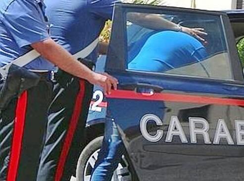 Evade dai domiciliari      per farsi un giro      in bicicletta: arrestato
