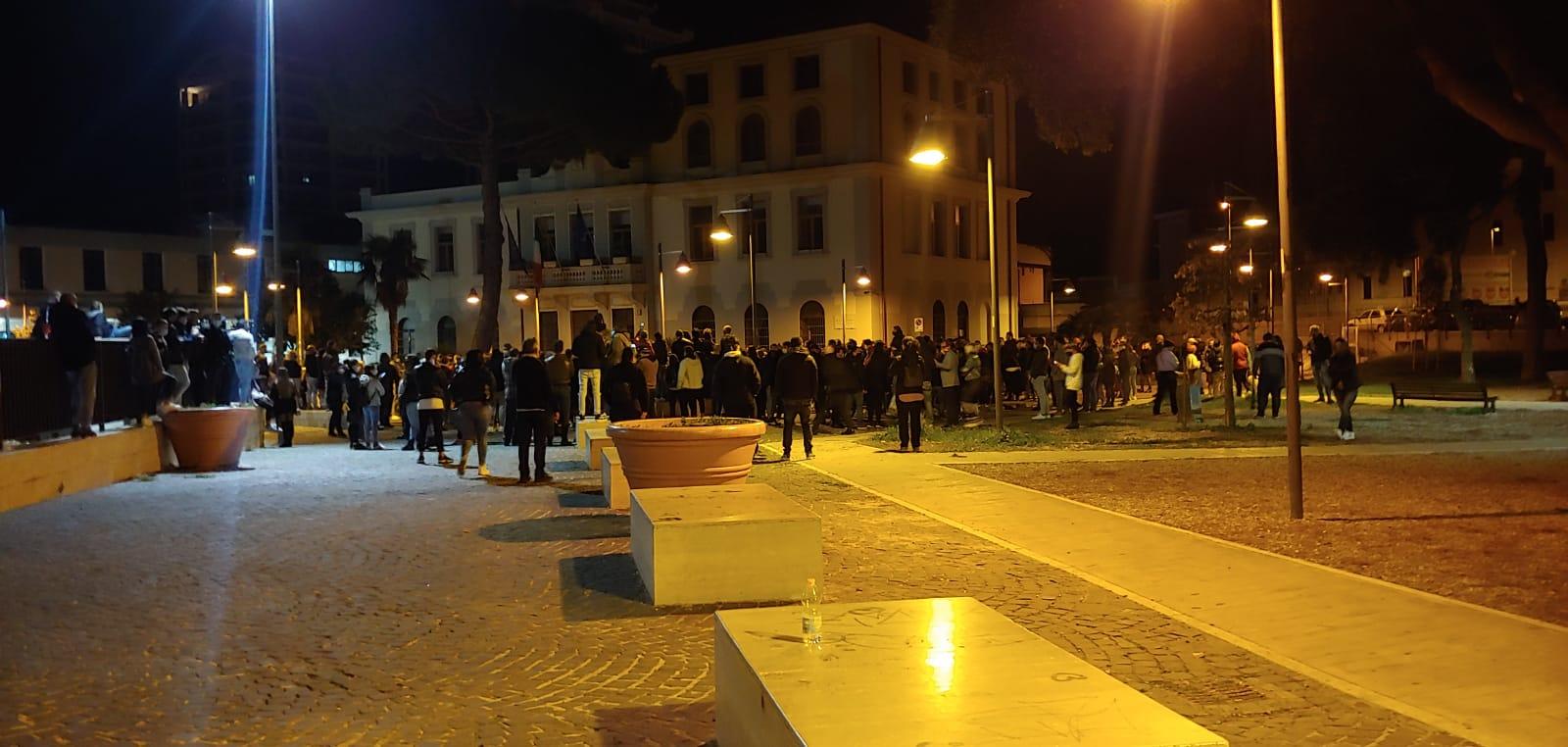 """Commercianti in piazza, Porrello (M5S) contro il Sindaco: """"Attacca solo il Governo"""""""