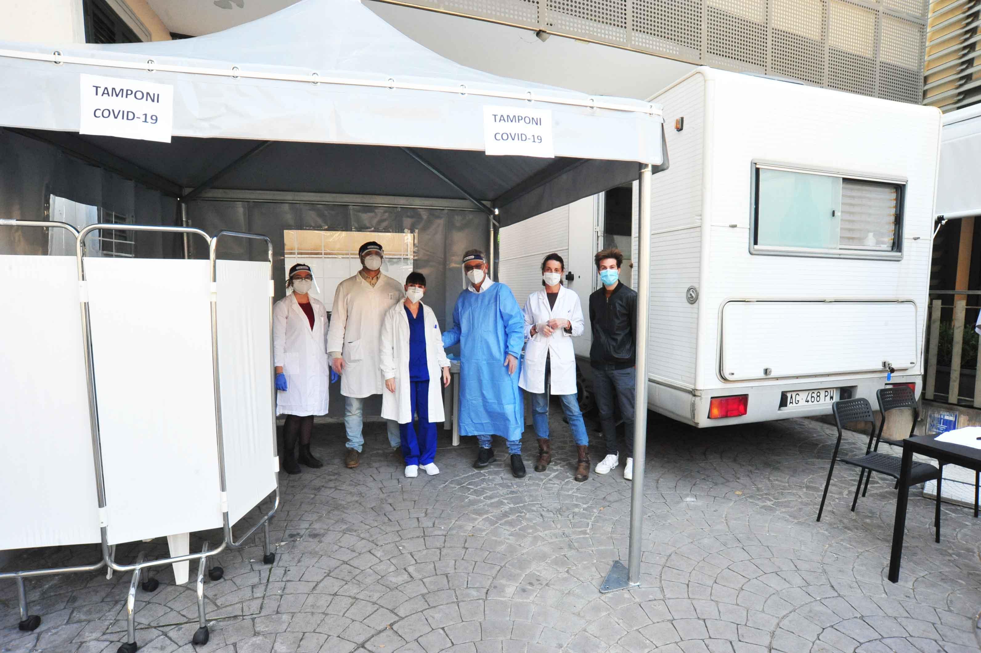 Centro diagnostico Buonarroti, ieri altri 15 tamponi rapidi positivi